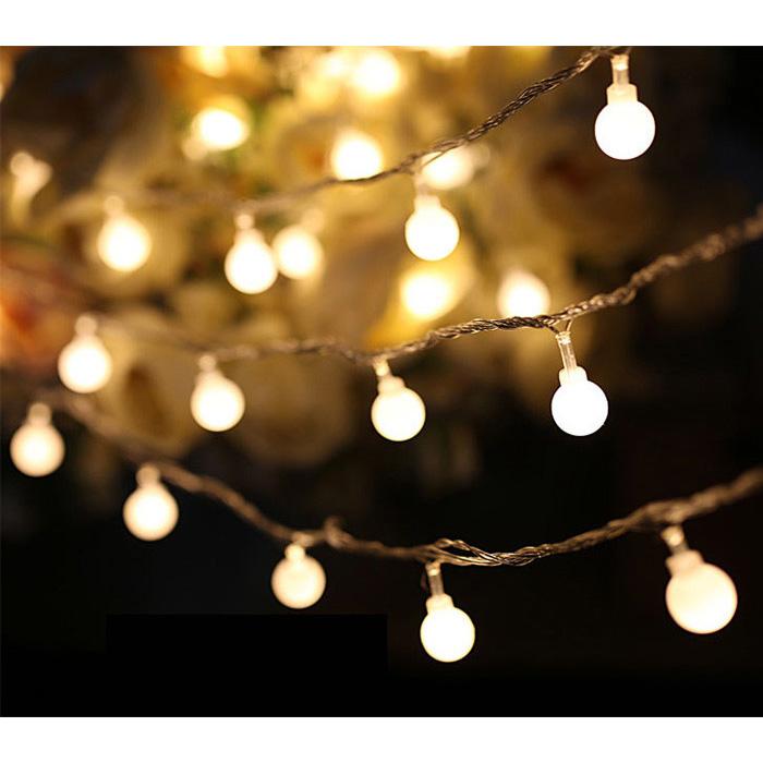 Lampu Natal model bola